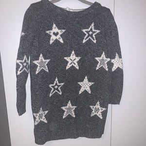 Gap • Gray with White Star Sweater• 3T